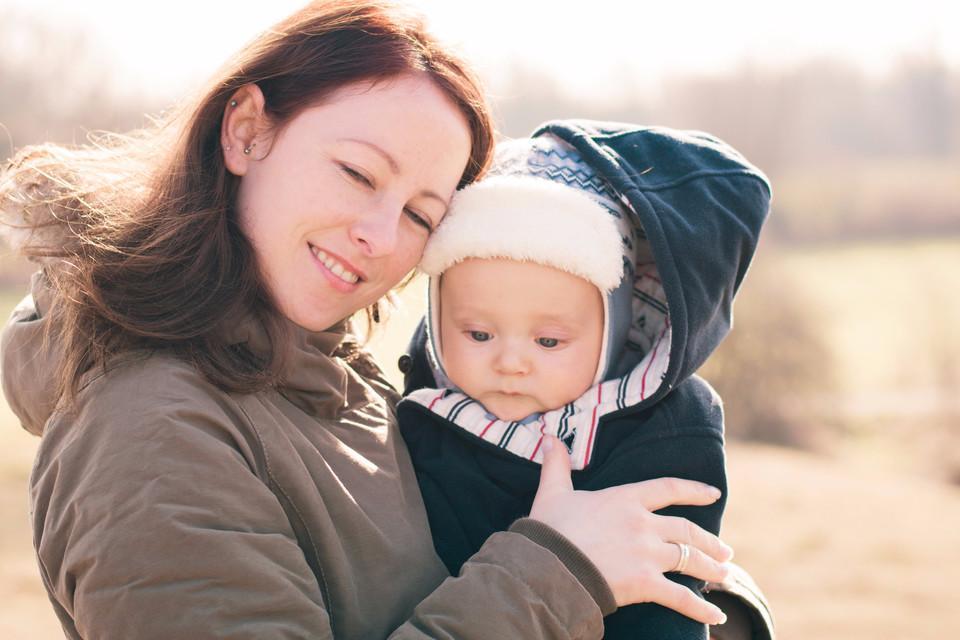 Frau mit ihrem Baby