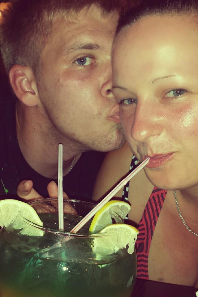 Paar beim Coktail Trinken