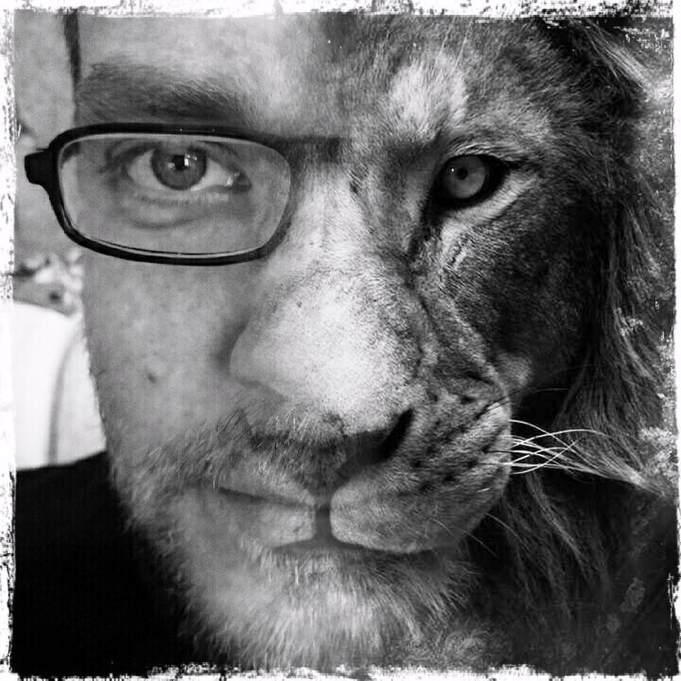 Mann mit halben Löwengesicht
