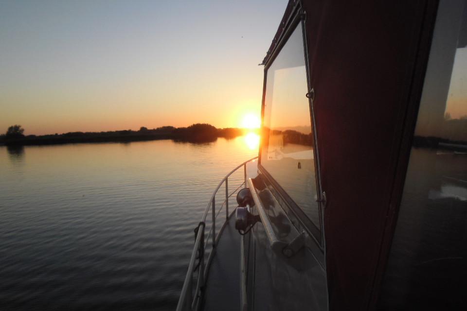 Hausboot, Sonnenuntergang, Leinwand