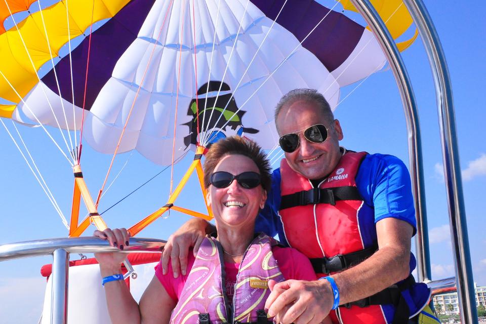 parasailing, glücklich, paar, Extrem Urlaub