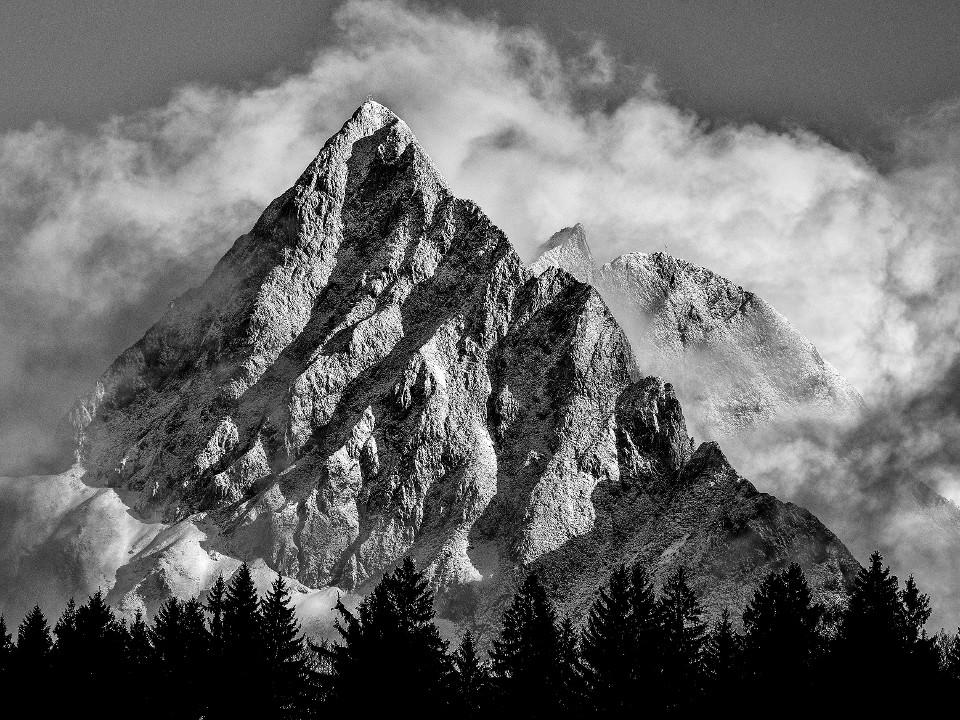 Berge, Bewölkt, Schwarz und weiß