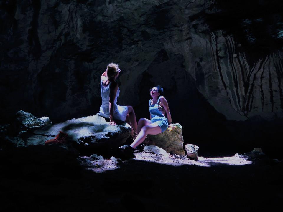 Urlaub, Abenteuer, Menschen, Höhle, Frau